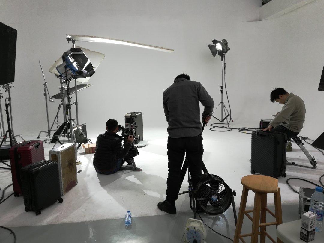 舒提拉行李箱产品宣传拍摄